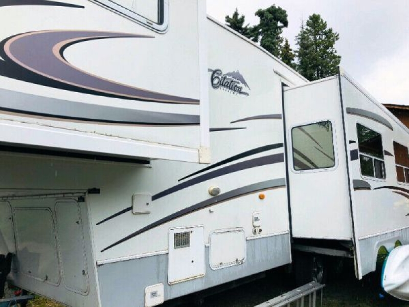 2007 Thor Citation Supreme 295rls For Sale In Whitehorse Yukon Canada Y1a3w8 Free Rv Classifieds Used Rvs Rv Classes Motorhomes Travel Trailers 5th Wheel Rvs For Sale