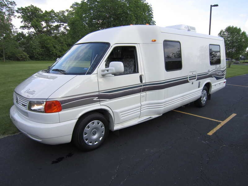 1999 winnebago rialta 22qd 1 750 obo free rv classifieds used rvs rv classes motorhomes. Black Bedroom Furniture Sets. Home Design Ideas
