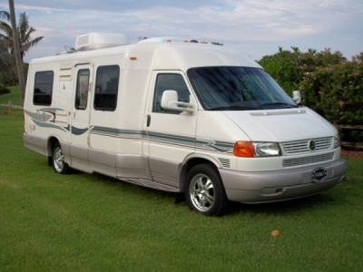 2005 winnebago rialta free rv classifieds used rvs rv classes motorhomes travel trailers. Black Bedroom Furniture Sets. Home Design Ideas