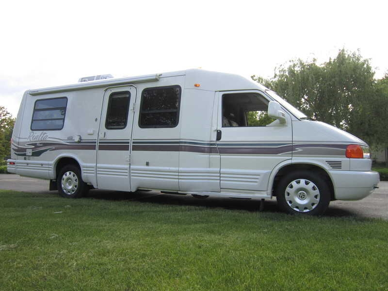 sper clean 1999 winnebago rialta 22qd reduced 1 750 free rv classifieds used rvs rv. Black Bedroom Furniture Sets. Home Design Ideas